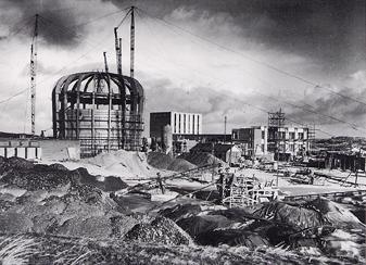 Bouw Hoge-Flux reactor op het Reactorcentrum in Petten (1958)
